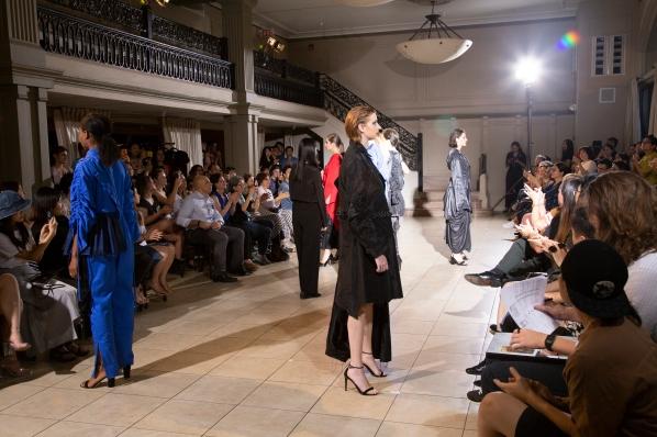 BM fashion exhibition 2-326